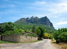 De berg van Bugarach stock afbeelding