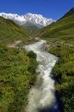 De berg van de Kaukasus Shkhara in hogere Svaneti Royalty-vrije Stock Foto