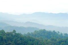 De berg van de mist en van de wolk Stock Afbeelding
