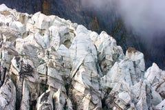 Sneeuwberg stock afbeelding
