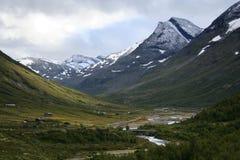 De berg van de vallei en van de sneeuw stock afbeeldingen