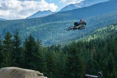 De Berg van fluiterslopestyle het biking Stock Foto