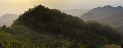 De berg van het plattelandslandschap Stock Afbeelding