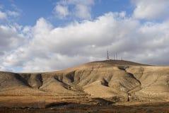 De bergbovenkant van de telecommunicatiemast Stock Afbeelding