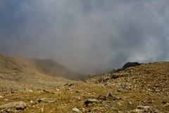 In de bergen, binnen de wolk Royalty-vrije Stock Fotografie