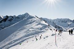 In de bergen, de winterlandschap Royalty-vrije Stock Afbeelding