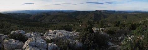 De bergen en de heuvels van het panorama Royalty-vrije Stock Afbeeldingen