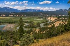 De bergen en de rivier overzien Royalty-vrije Stock Foto's