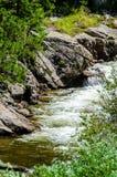 De bergen en de stroom van Colorado Royalty-vrije Stock Afbeeldingen