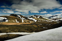 De bergen en het landschap van IJsland van Landmannalaugar Stock Afbeeldingen