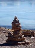 De bergen en het meerlagunepanorama van Bolivië Stock Foto's
