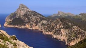 De bergen en het Middellandse Zee mooie Eiland Mallorca stock footage