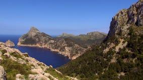 De bergen en het Middellandse Zee mooie Eiland Mallorca stock video