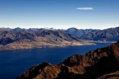 De Bergen en het overzees van Nieuw Zeeland Royalty-vrije Stock Foto's