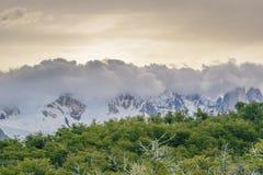 De Bergen Gr Chalten Argentinië van de Andes van de wolkendekking Royalty-vrije Stock Foto