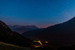 De bergen in nacht Royalty-vrije Stock Foto's