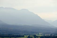 De bergen van alpen Stock Foto's