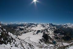De Bergen van Alpen - tussen Ijs en Sneeuw Royalty-vrije Stock Foto