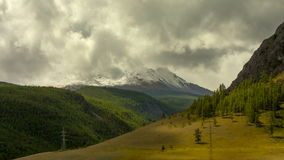 De Bergen van Altai Mooi hooglandlandschap Rusland Siberië Timelapse stock video