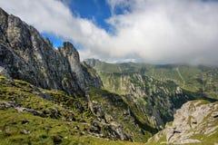 De bergen van Bucegi Stock Afbeeldingen