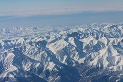 De bergen van de Kaukasus Mening van het vliegtuig Stock Afbeelding