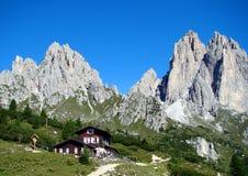 De bergen van Dolomiti Stock Foto's