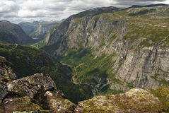 De bergen van Eikesdal royalty-vrije stock afbeeldingen