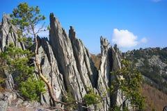 De bergen van het Zuidelijke Oeralgebergte Rusland stock afbeeldingen