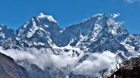De bergen van Himalayan in Nepal royalty-vrije stock foto's