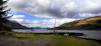De Bergen van Loch Leven Stock Afbeelding