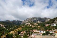 De bergen van Monaco van onderaan Stock Afbeeldingen