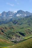 De bergen van Qilian stock afbeelding