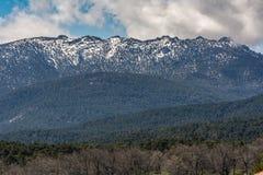 De Bergen van Siete Picos in het Guadarrama Nationale Park tussen de provincies van Madrid en Segovia Spanje stock afbeelding