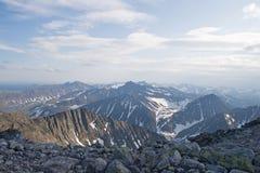 De bergen van Ural stock afbeelding