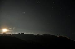De bergenmening van de nacht Royalty-vrije Stock Afbeeldingen