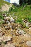 De Bergenrivier van de Kaukasus Stock Foto's
