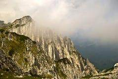De bergketen van Craiului van Piatra Stock Afbeeldingen
