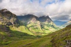 De Bergketen van Schotland-drie Zuster in Glencoe royalty-vrije stock afbeelding