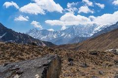 De bergketenlandschap van Himalayagebergte na de dwarsrenjo-pas van La, Vooravond Stock Fotografie