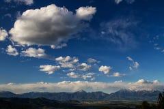 De bergketting van alpen in Slovenië Stock Fotografie