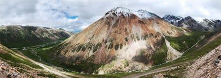 De berglandschap van de sneeuw Stock Fotografie