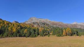 De berglandschap van de herfst Nationale reserve Karadag stock foto