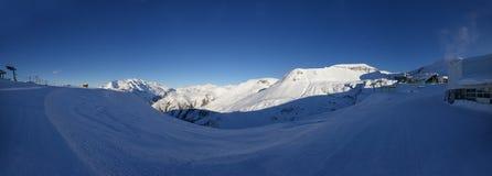 De bergpanorama van de Alpen van Deux van Les stock afbeelding