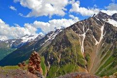De bergpieken van de Kaukasus Royalty-vrije Stock Foto's