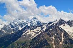 De bergpieken van de Kaukasus Royalty-vrije Stock Afbeeldingen