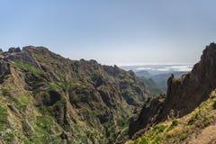 De bergpieken van Pico Ruivo en Pico do Areeiro in Madera, Portugal Royalty-vrije Stock Afbeeldingen