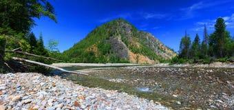 De bergrivier royalty-vrije stock afbeelding