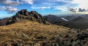 De bergtop van Slievebearnagh stock fotografie