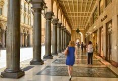 De beroemde arcades van de stad stock fotografie