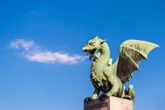 De beroemde brug van de Draak in Ljubljana Stock Afbeelding